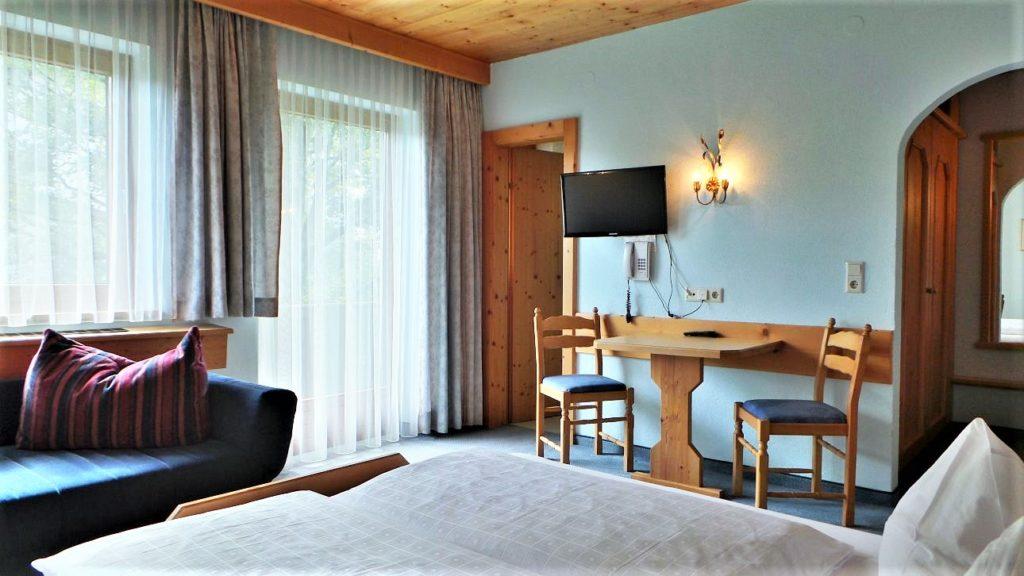 Zimmer ,,Gartenblick Junior I,,Süd/Ost